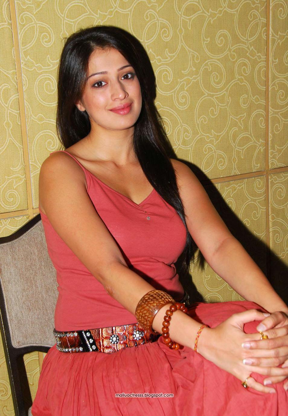 Malayalam actress: Lakshmi Rai hot expose stills