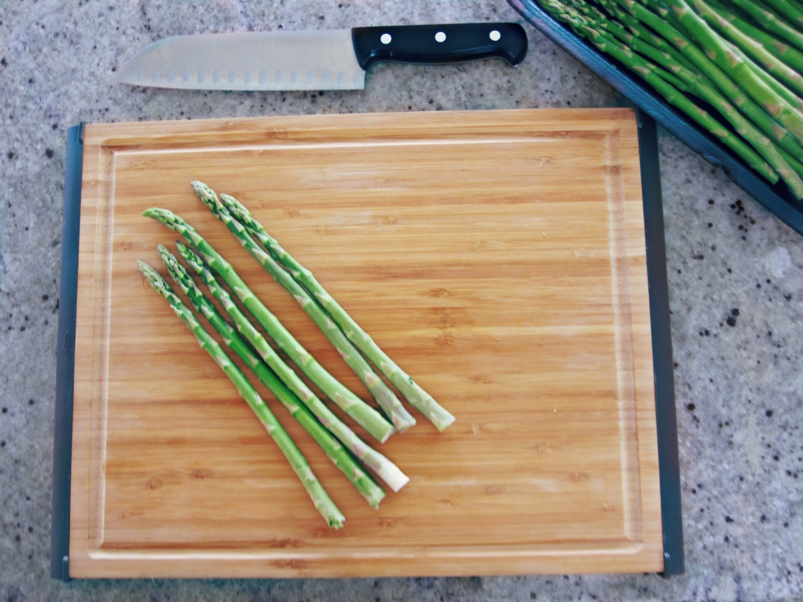 Savory Roasted Asparagus, Roasted Asparagus recipe, Spicy Asparagus, Asparagus Recipe