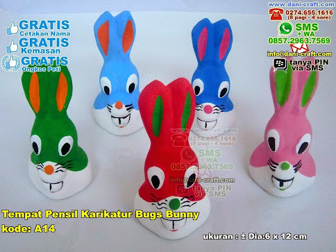 Tempat Pensil Karikatur Bugs Bunny Gerabah