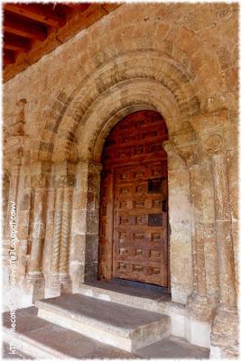 portada de iglesia romanica Ntra Sra del Rivero, San Esteban de Gormaz