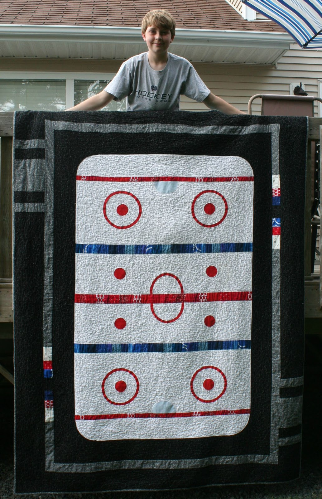 A Quarter Inch from the Edge: Friday Finish - Good Old Hockey Game : hockey quilt patterns - Adamdwight.com