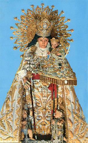 Foto a la imagen de la Virgen de Los Desamparados