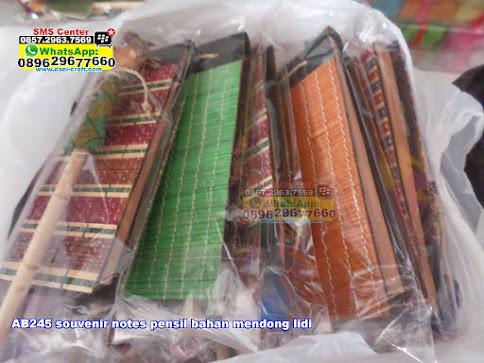 souvenir notes pensil bahan mendong lidi jual