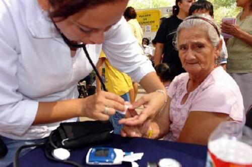 Diabetes Mellitus en el Adulto mayor - esslidesharenet