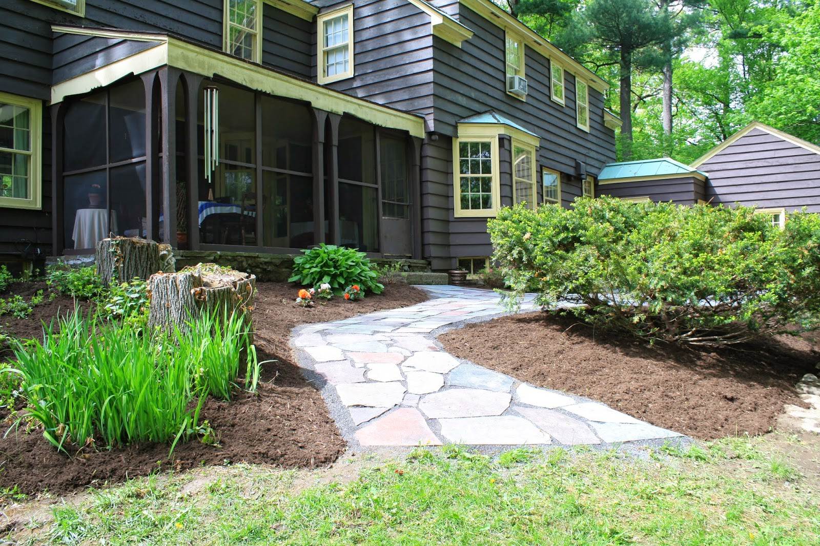 How to make a mulch bed and slate patio