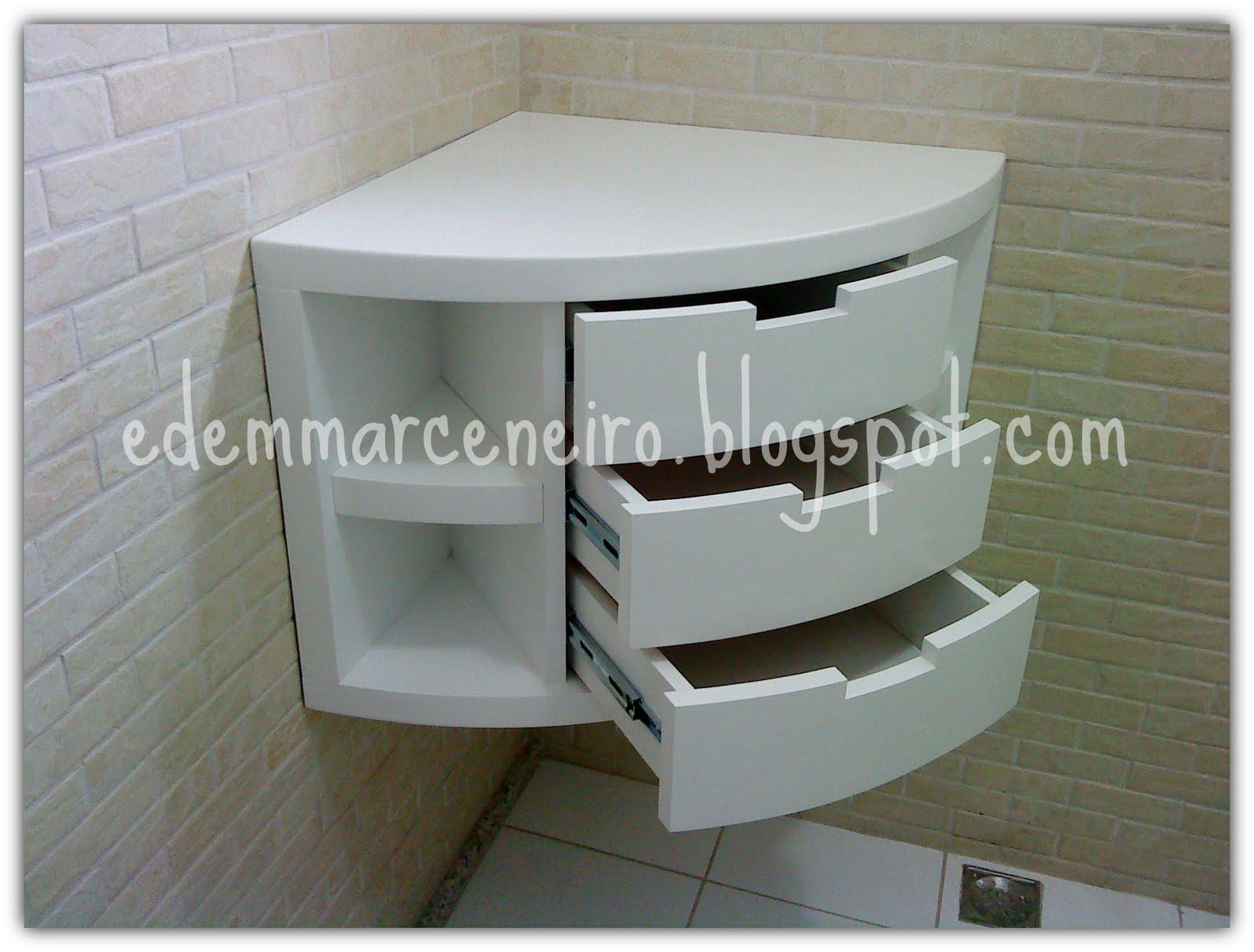 Esse aqui é um armário de canto acho que seria uma ótima #373529 1600x1215 Armarinho De Banheiro De Vidro