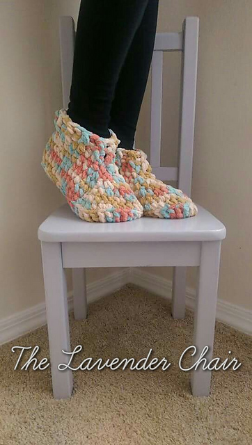 Free Crochet Patterns For Childrens Slipper Boots : Fiber Flux: Pretty Slippers! 12 Free Crochet Patterns...