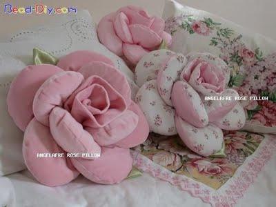 almofada de rosa com molde