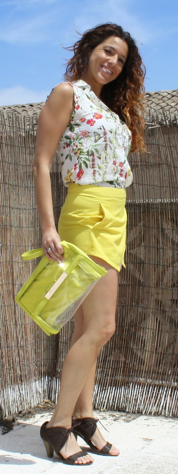 falda pantalon amarillo corto