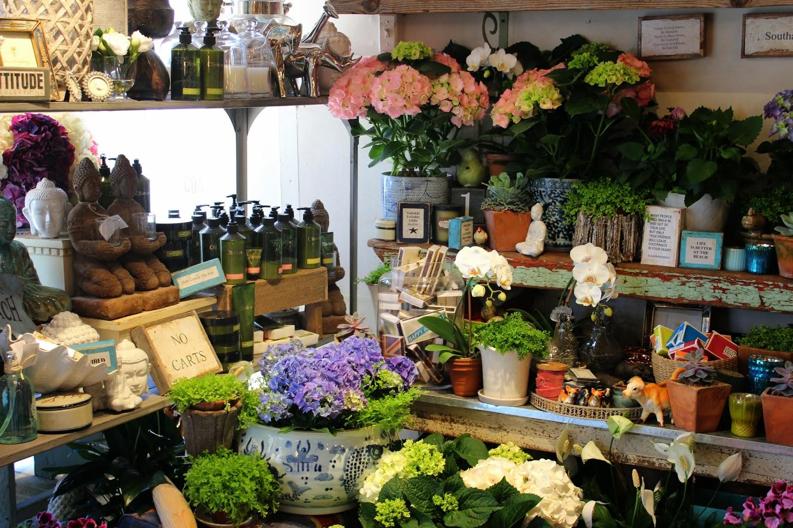 Painting the Hamptons Topiaire Flower Shop