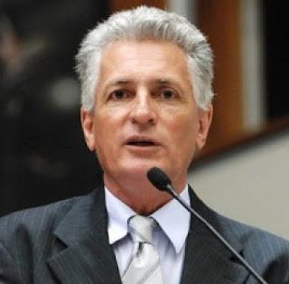 Rogério Correia Valério operou ao mesmo tempo para o Aécio em Minas e o PT em Brasília
