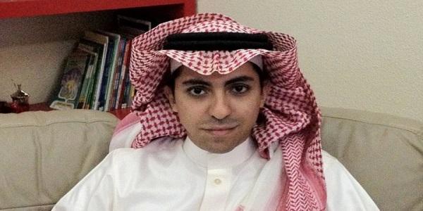 ماذا تعرف عن رائف بدوى الحائز على جائزة حرية التعبير