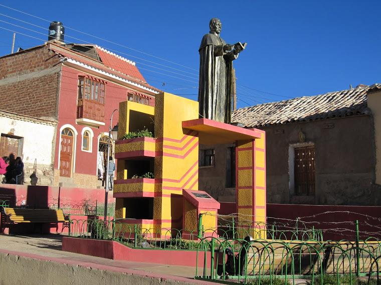 Estatua del Sacerdote Potosino Martin Cruz