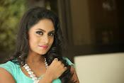 Deepika das glamorous photos-thumbnail-7