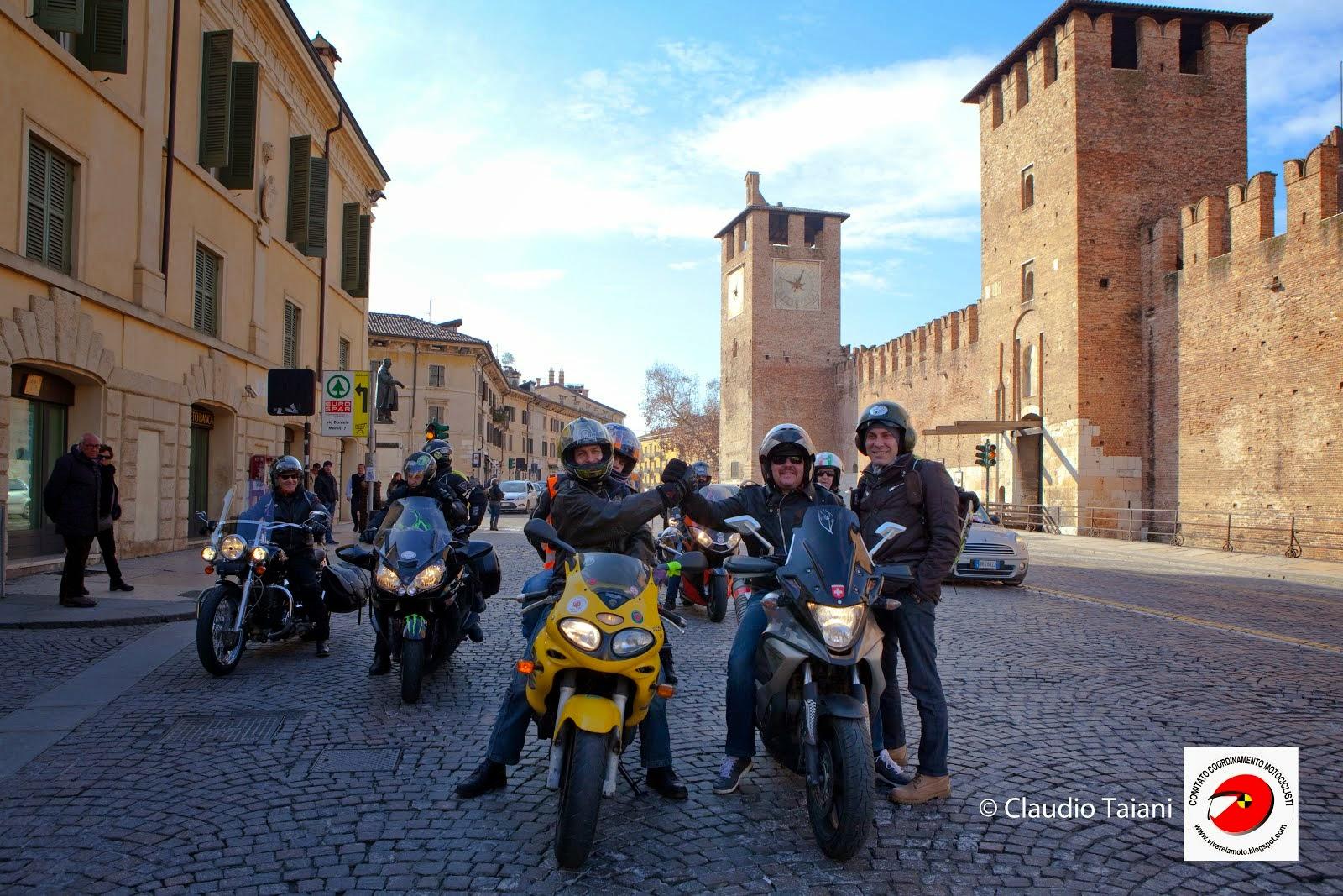 Un'immagine simbolica......di come intendiamo il Motociclismo noi.