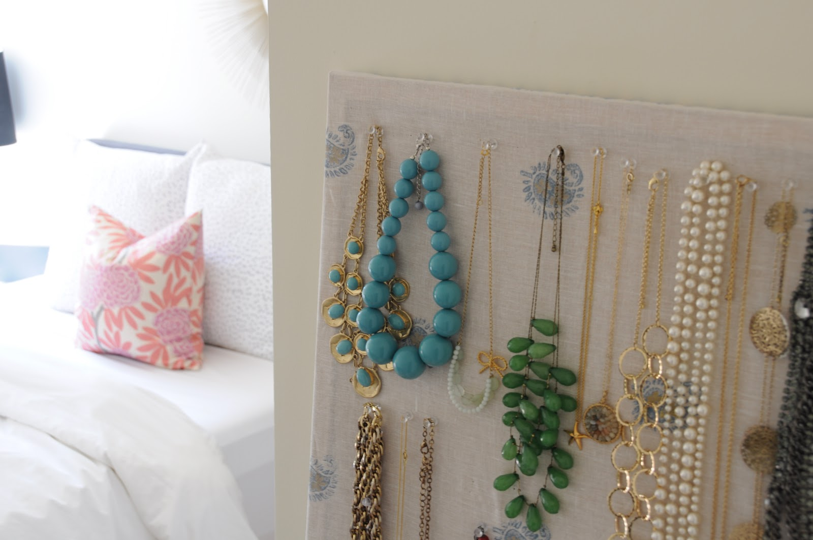 deliciously organized: DIY: Organize Necklaces on Cork-
