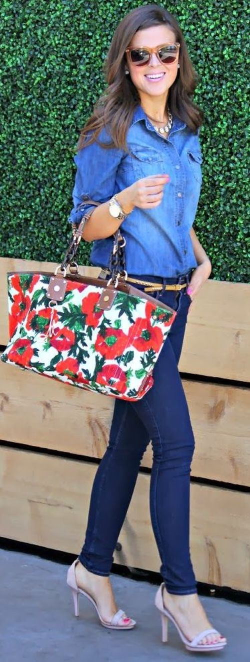 street style: casual with denim and flowers