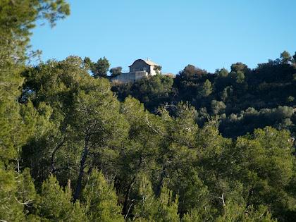 L'ermita de Sant Antoni des de la Urbanització Cesalpina
