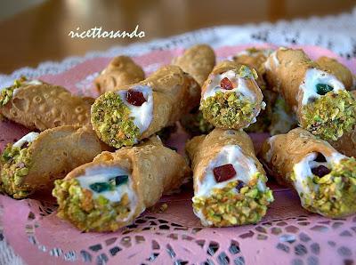Cannoli siciliani ricetta dolce tradizionale siciliana