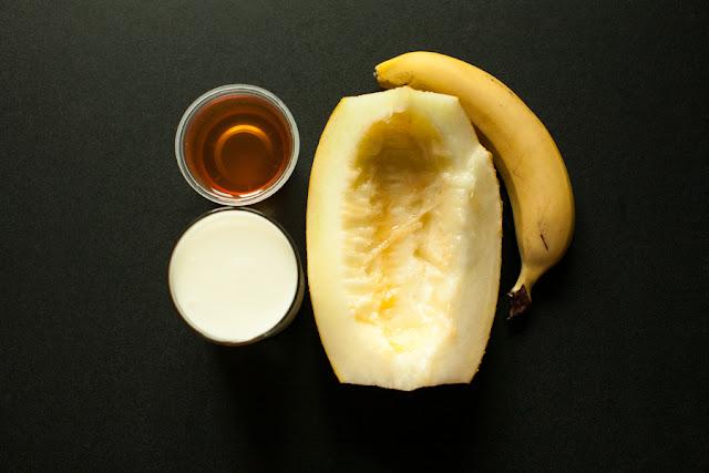 дыня, банан, йогурт, мед