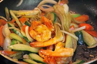 Vietnamese Food Culture - Tôm Xào Rau Củ