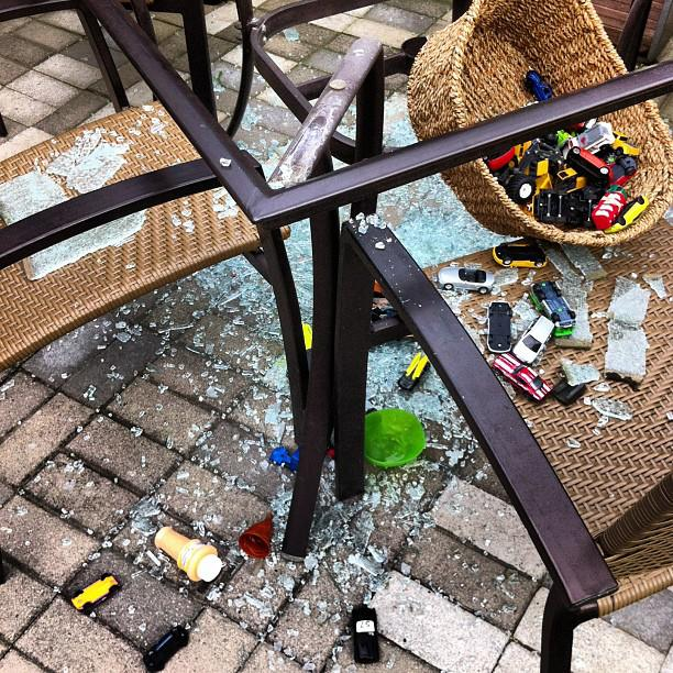shattered_glass_patio_table