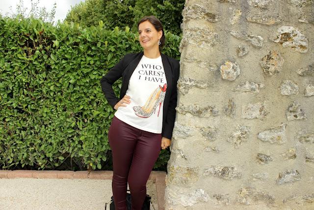 look rock glamour, pantalon slim enduit Naf Naf, tee shirt à message