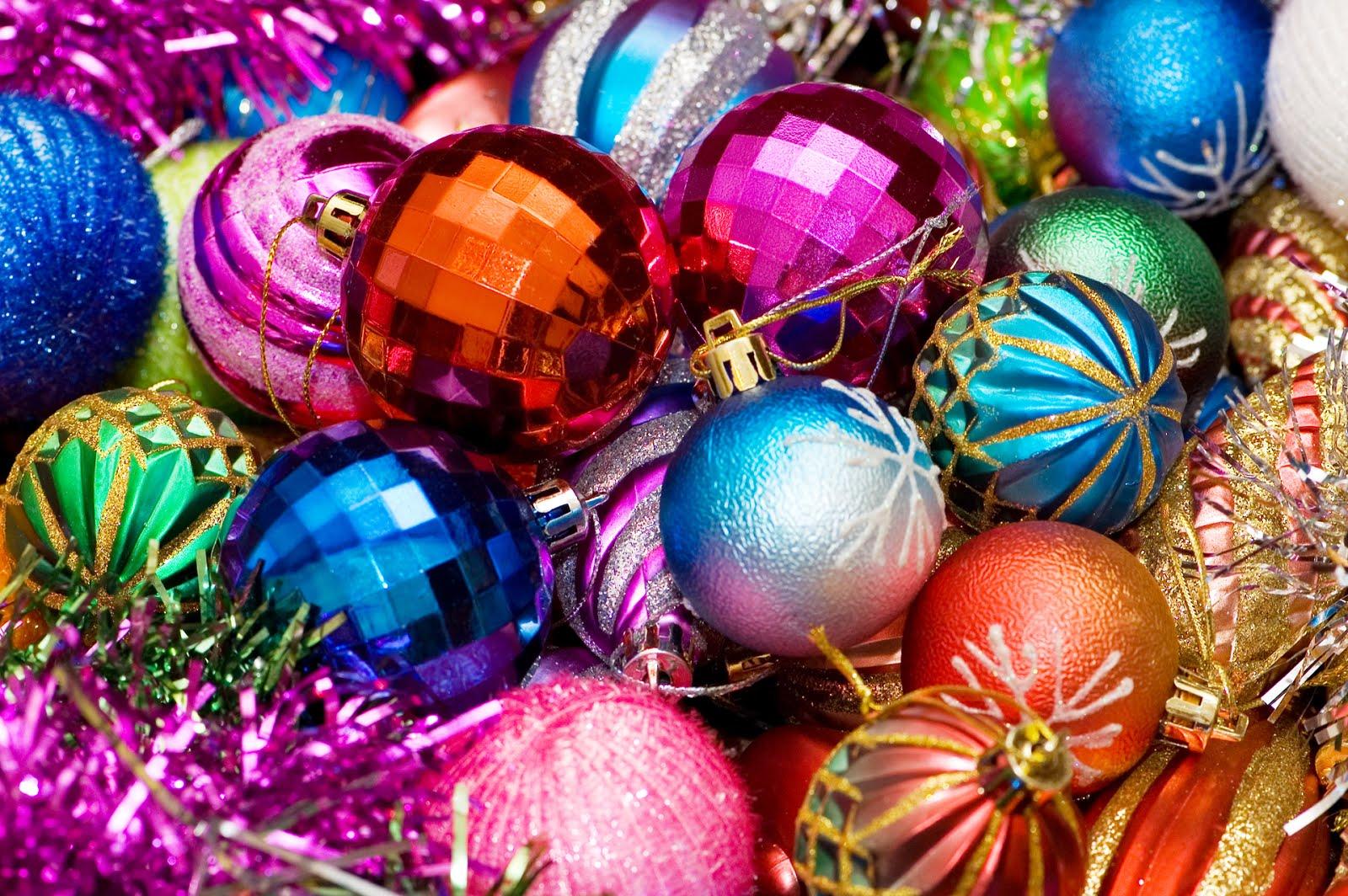 Esfera al parecer en un principio san bonifacio adorn e - Arbol de navidad colores ...
