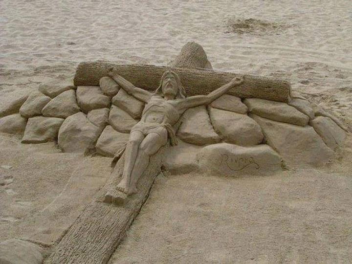 Patung-Pasir-Pantai-Tuhan-Yesus