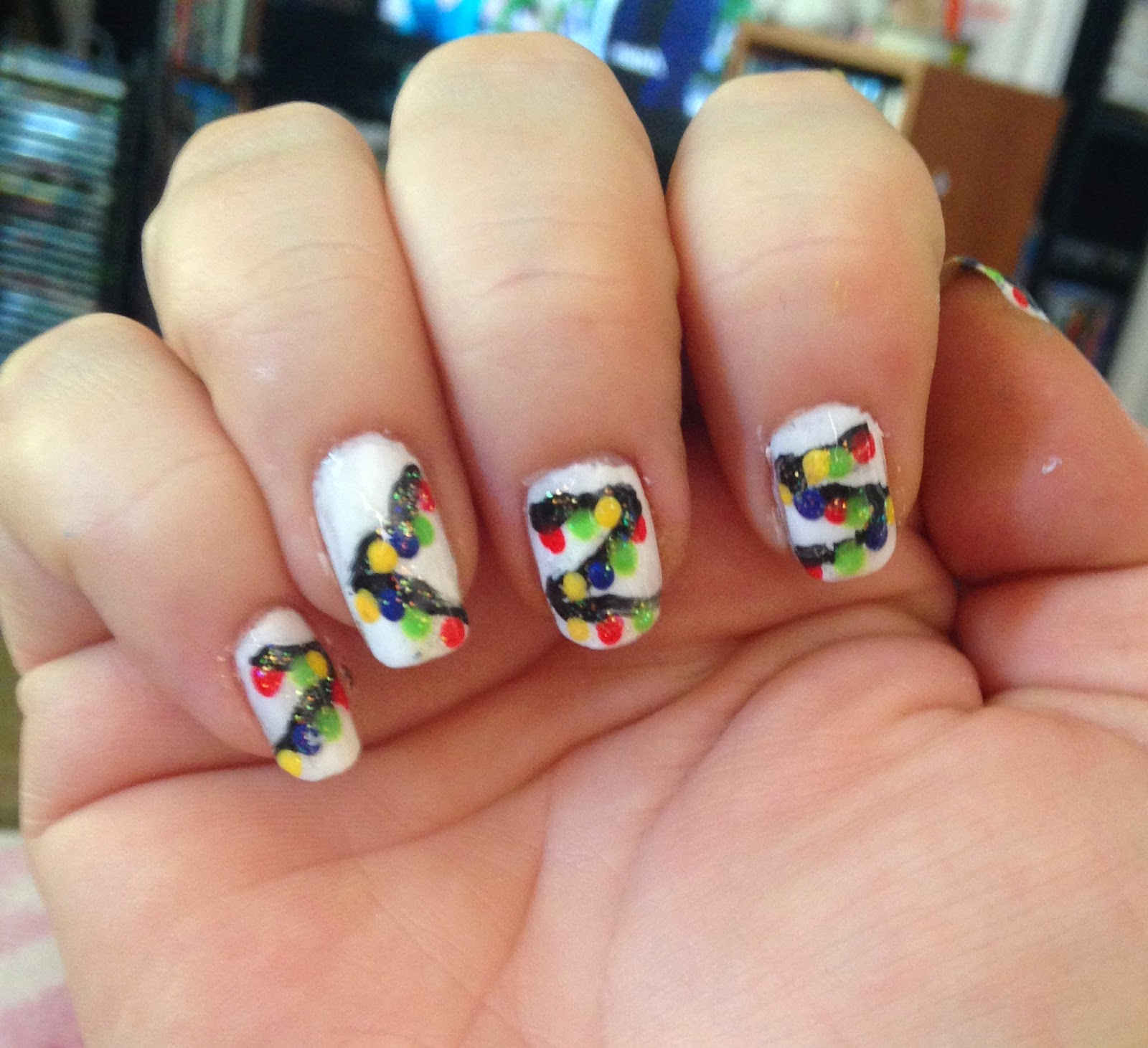 Christmas Lights Nail Art: Beauty Should Only Take 10 Minutes