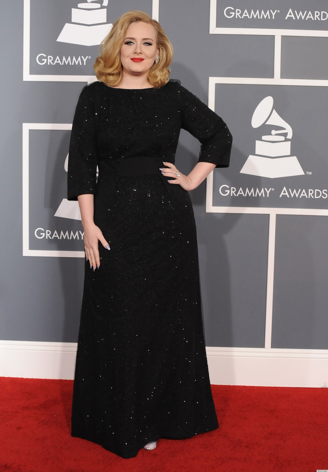 http://4.bp.blogspot.com/-cnf2NgKw5Ds/Tzuw4ZMsfAI/AAAAAAAAArU/sp2ZSnBudAk/s1600/ADELE-GRAMMYS-2012-RED-CARPET-DRESS.jpg