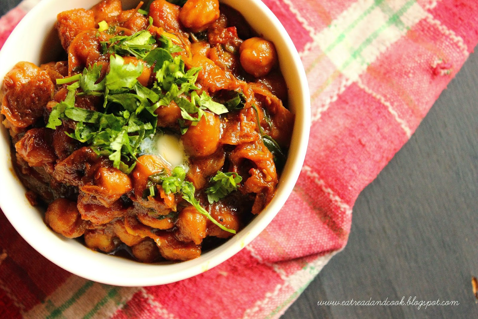 How to cook restaurant style chole masala