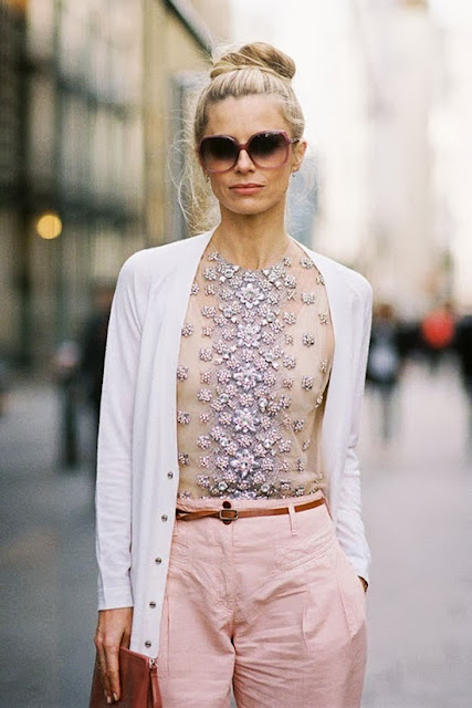 street style: sparkling floral print top