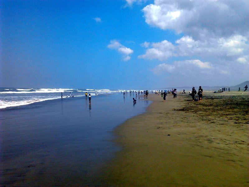 Hasil gambar untuk pantai cipatujah