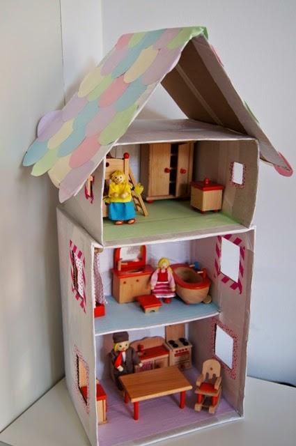 La forma delle nuvole casa per le bambole con le scatole for Quanto puoi costruire una casa per