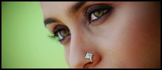Close up of Rani Mukerji as Veera