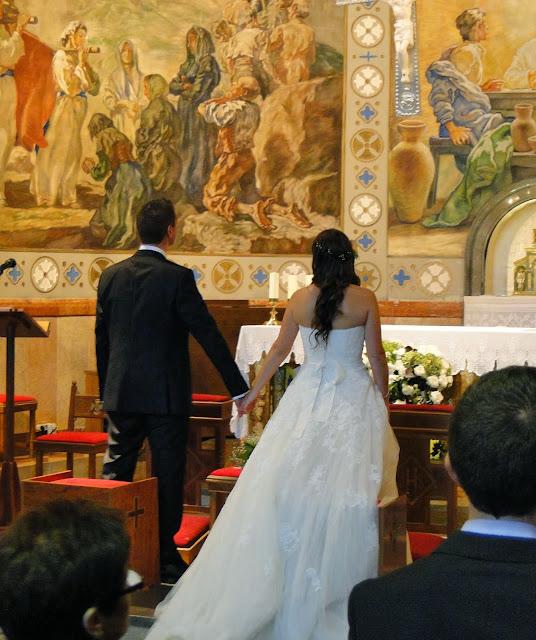 Juntos en el altar de la iglesia de Castelldefels