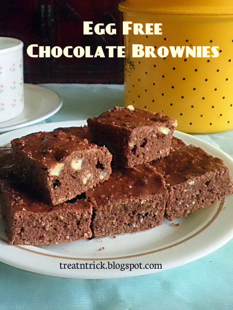 Egg Free Chocolate Brownies Recipe @ treatntrick.blogspot.com