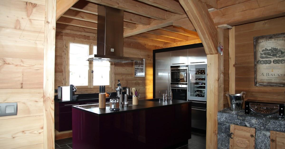 Cuisine design inox violet et bois for Cuisine inox design