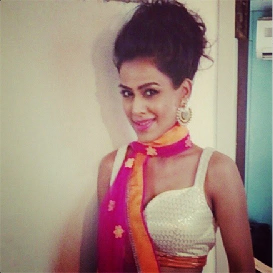 Nia Sharma hot dress photos, Nia Sharma hot dress wallpaper, Nia Sharma HD hot dress photos, Nia Sharma looking hot