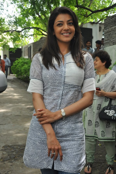 kajal agarwal at dhada pressmeet, kajal new cute stills