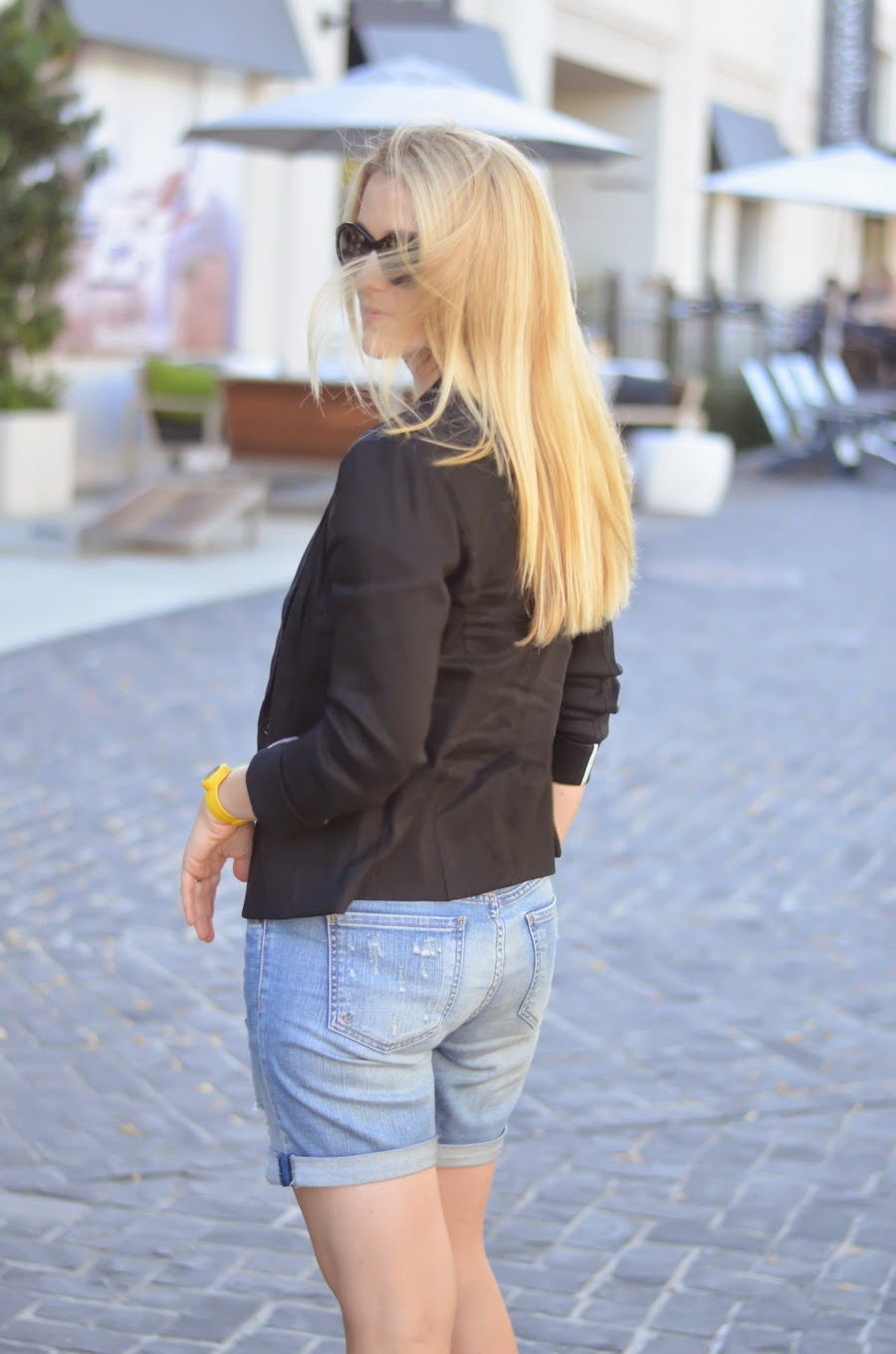 Black Linen Blazer + Distressed Shorts at @lucismorsels