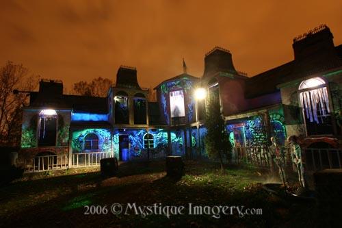 scary halloween haunted house ideas