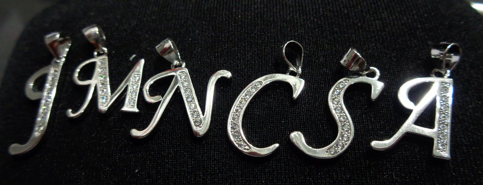 Iniciales de plata con circonitas