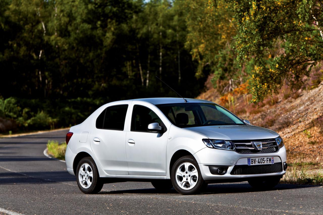 Dacia+Logan,+1+.jpg