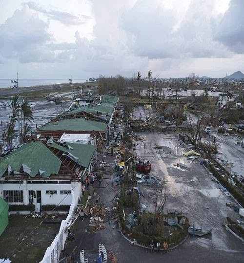 Tacloban_typhoon_damage_2013_photo