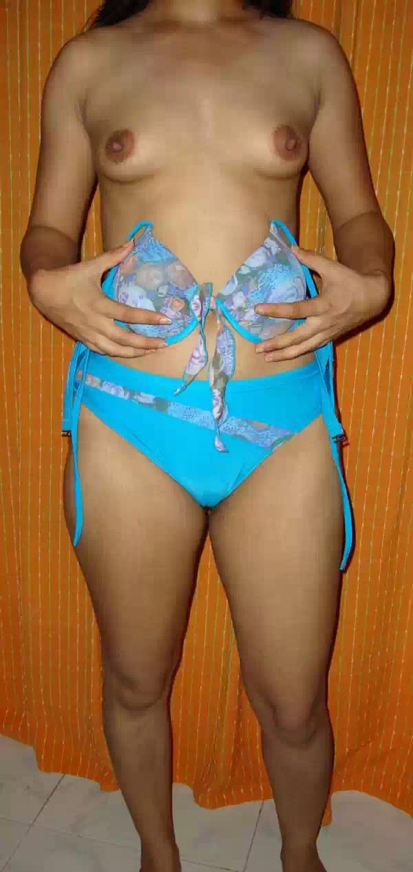 desi bhabhi removing cloths and getting naked   nudesibhabhi.com