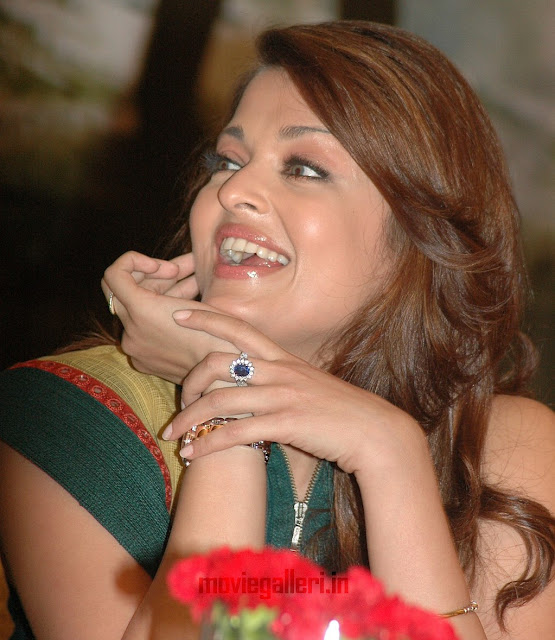 Aishwarya Rai Latest Pics,Aishwarya Rai bachan,Aishwarya Rai family,Aishwarya Rai latest pictures,Aishwarya Rai baby,Aishwarya Rai daughter,Aishwarya Rai with amithab,Aishwarya Rai fashion,Aishwarya Rai ads,Aishwarya Rai latest photoshoot,Aishwarya Rai hot hd wallpapers,Aishwarya Rai spicy stills,Aishwarya Rai saree stills,Aishwarya Rai hot in saree,Aishwarya Rai in saree hot