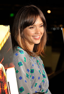 Jessica Alba Medium Straight Cut Hairstyle