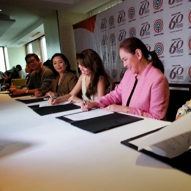 Kathryn Bernardo renews contract with ABS-CBN